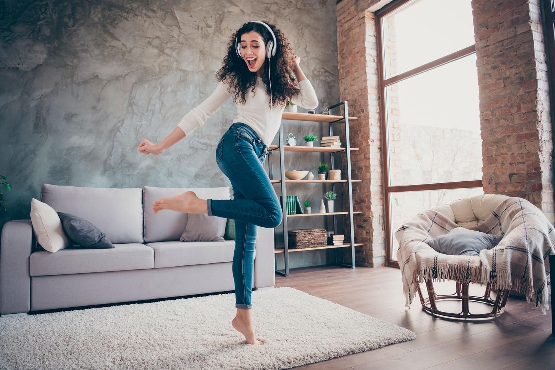 divertirse casa confinamiento estudiante